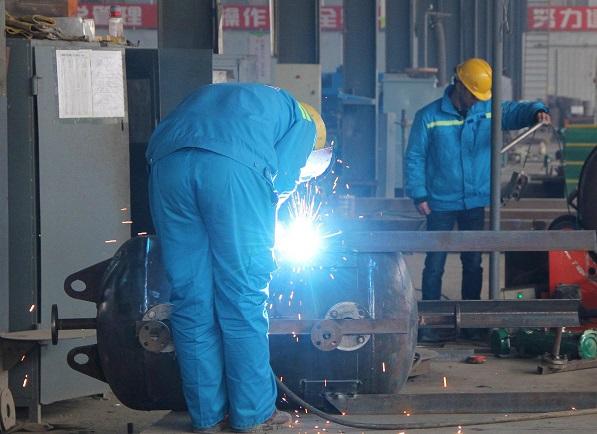 移动式焊烟除尘器与集中式焊烟除尘器该如何选择